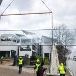 Montage der längsten Isolierglasscheibe der Welt - Wagner Desing Lab
